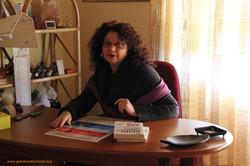 Paola alla scrivania