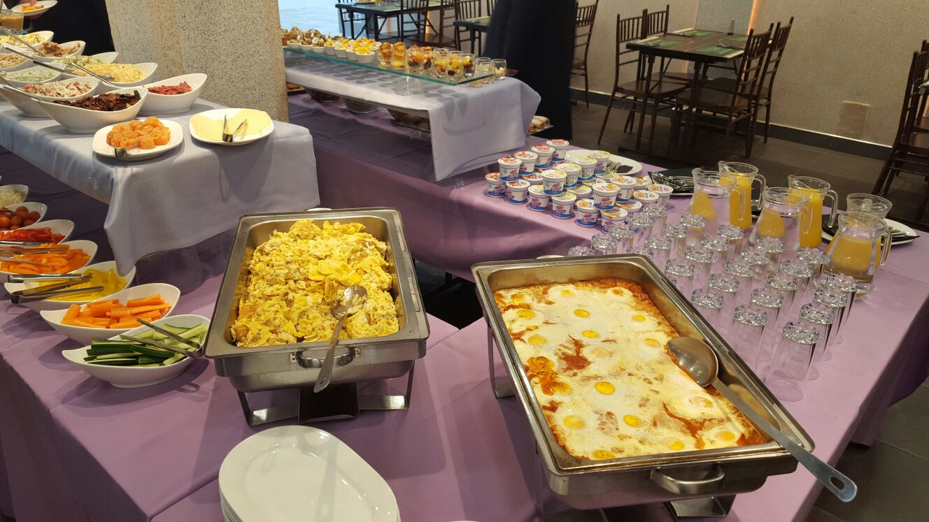 Kosher breakfast buffet