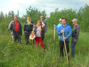 Члены РК Тольятти провели очередную прополку саженцев НАШЕГО ЛЕСА