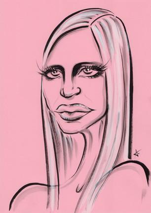 Donatella-Versace-pink-hd-okenv.jpg