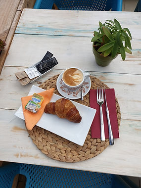 Desayuno_clásico_Bolleria.jpg