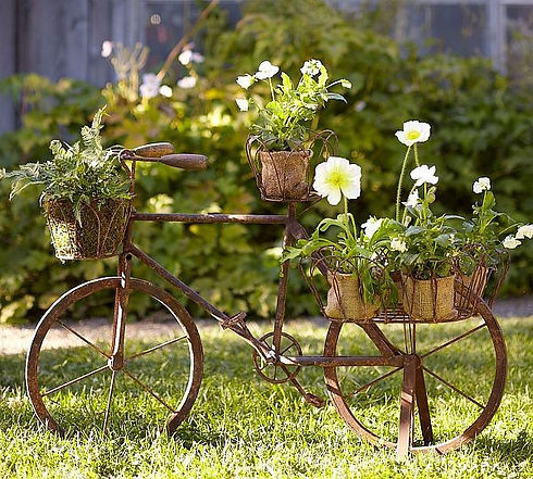 Garden Decoration with Recycled Items •
