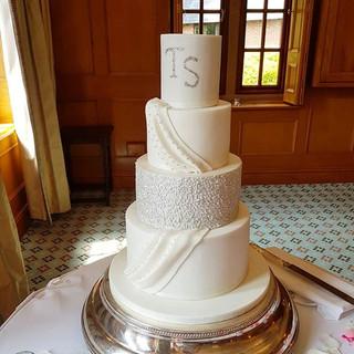 White sparkle wedding cake
