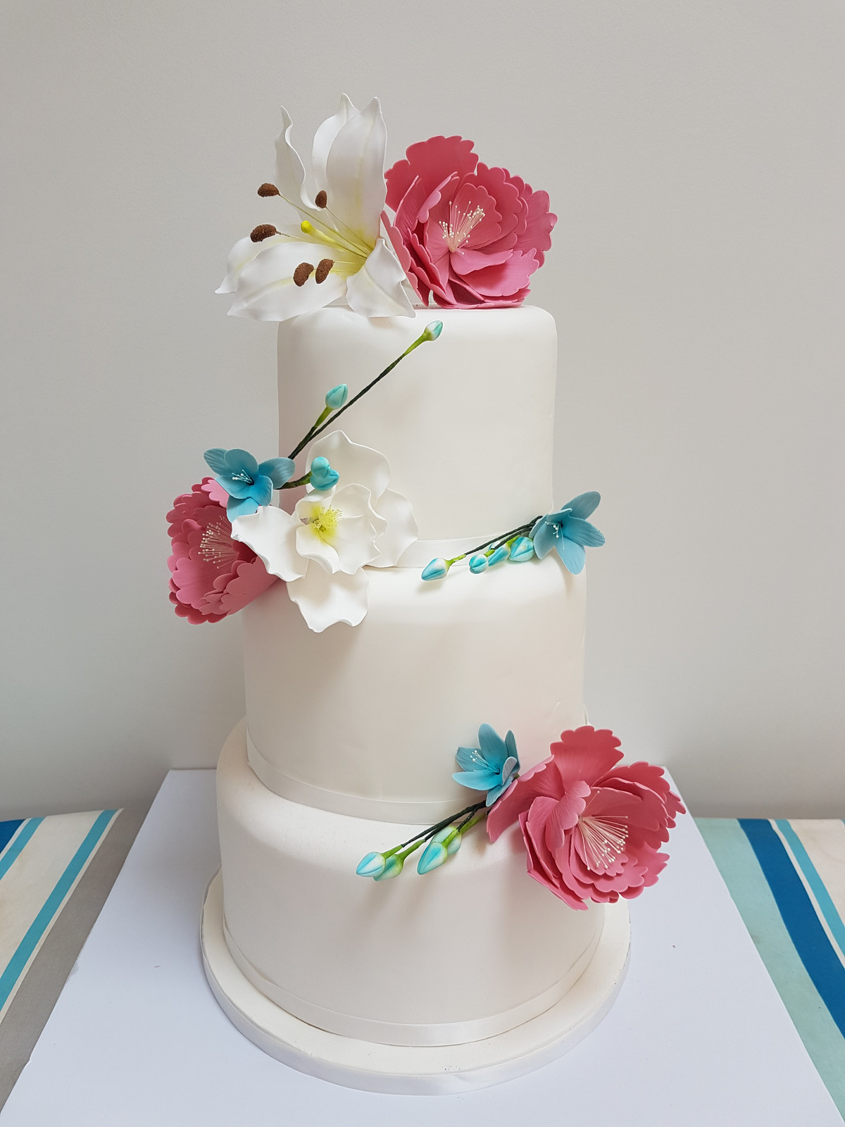 Cakes in Berkshire & Oxfordshire- Verity Rose Cakes   GALLERY