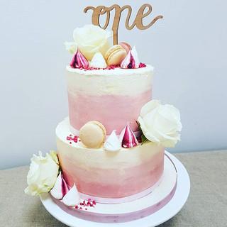 buttercream macaron cake berkshire