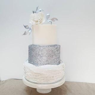 silver modern wedding cake berkshire