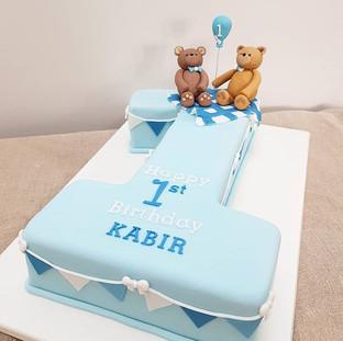 teddy bear first birthday cake