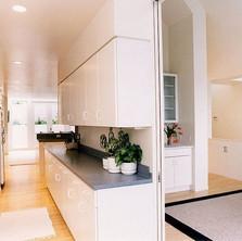 Kitchen_t.jpg