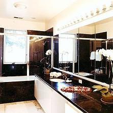 Bathroom_t.jpg