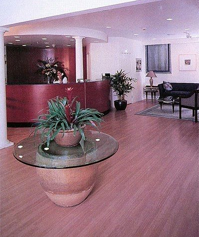 Hotel_Reception_t.jpg