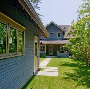 Cedar_Cottage_Backyard_t.jpg