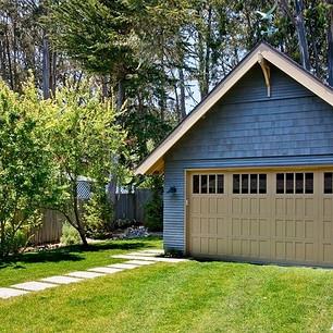 Cedar_Cottage_Garage_t.jpg