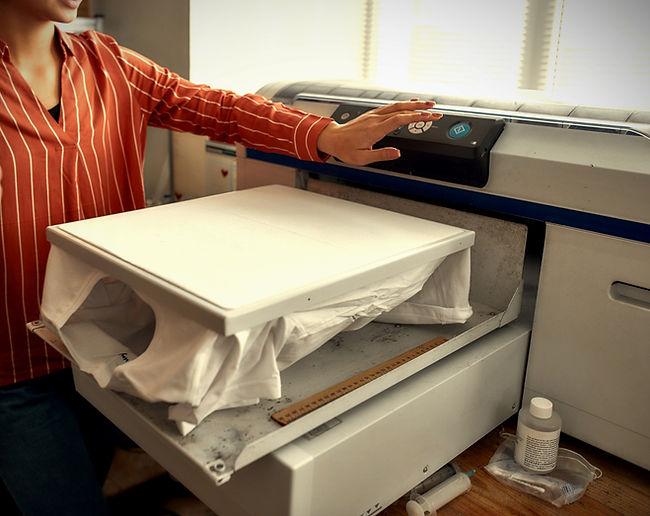 Direct-to-garment T-shirt printer