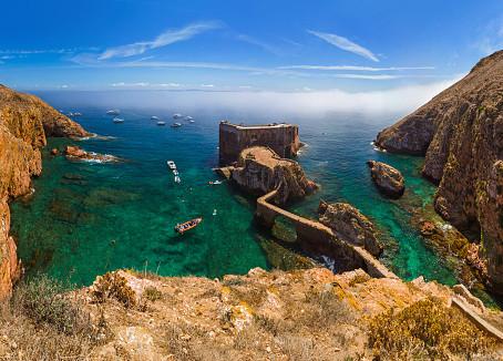 Ilhas Berlengas: um santuário paradisíaco no litoral português.