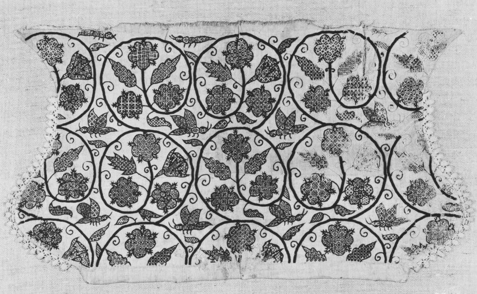 Original coif from the V&A online archives