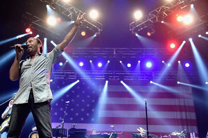 "Lee Greenwood's American Anthem ""God Bless the U.S.A."" Tops Billboard Digital Song Sal"