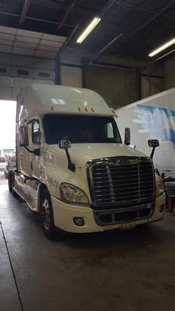 truck-repair-centennial,co_Johnson Truck and Fleet Services_2