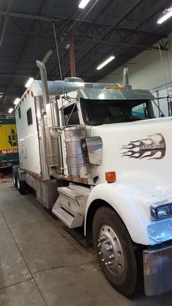 kenworth-service-centennial,co_Johnson Truck and Fleet Service