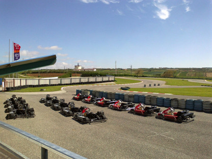 A DAY AT THE KARTING RUNWAY