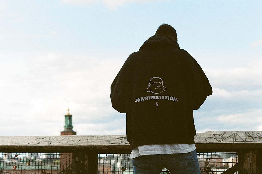 hoodie vibing 3.jpeg