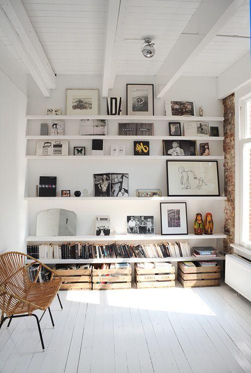 Parede galeria organizado na estante