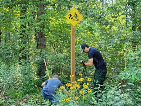 New Trail Warning Signs Installed on Wolf Creek Road