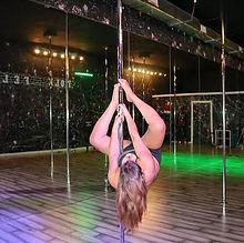 🕸More Spidey🕷action from class last night #spideysense #polesisters #poledanceart #poletricks #pol