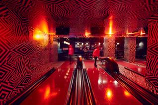 The Liquor Lanes. Soirée Bowling esprit The Big Lebowski.