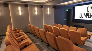 Ouverture d'une deuxième salle de cinéma à l'Institut français de Londres.