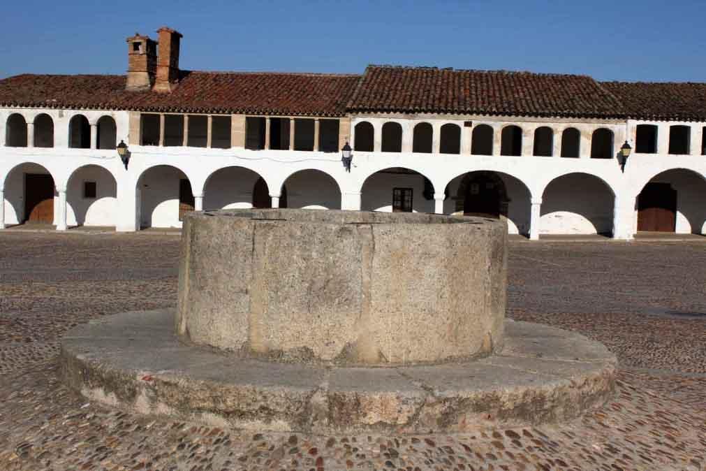 Plaza pozo.jpg