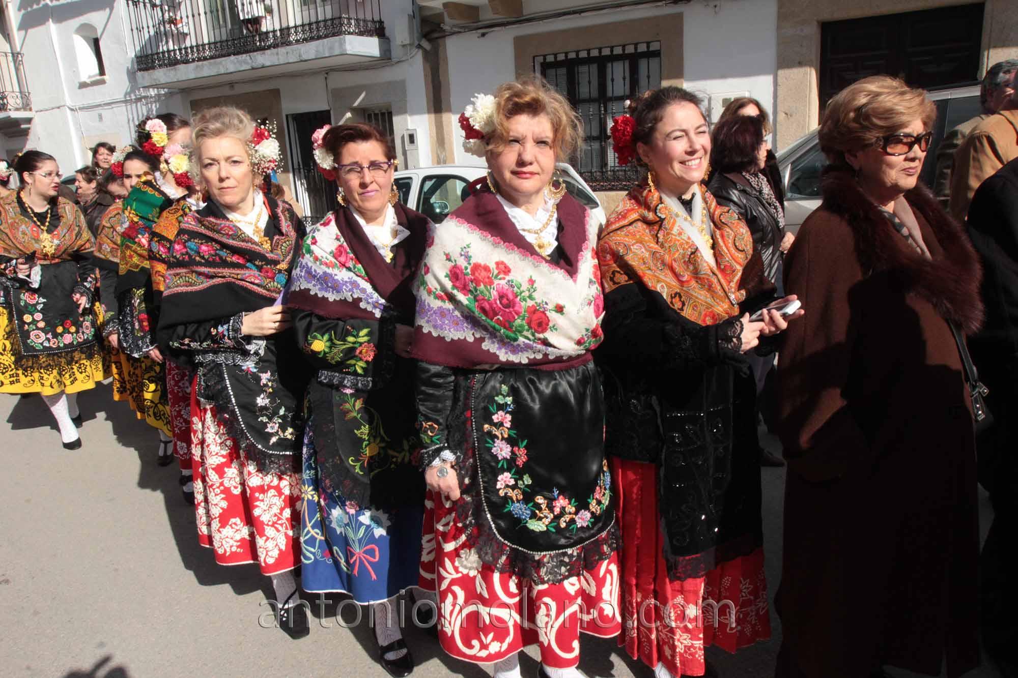 serranas procesion 2.jpg