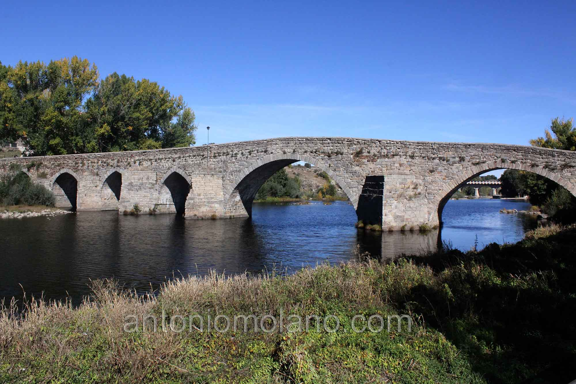 Puente Barco Avila.jpg