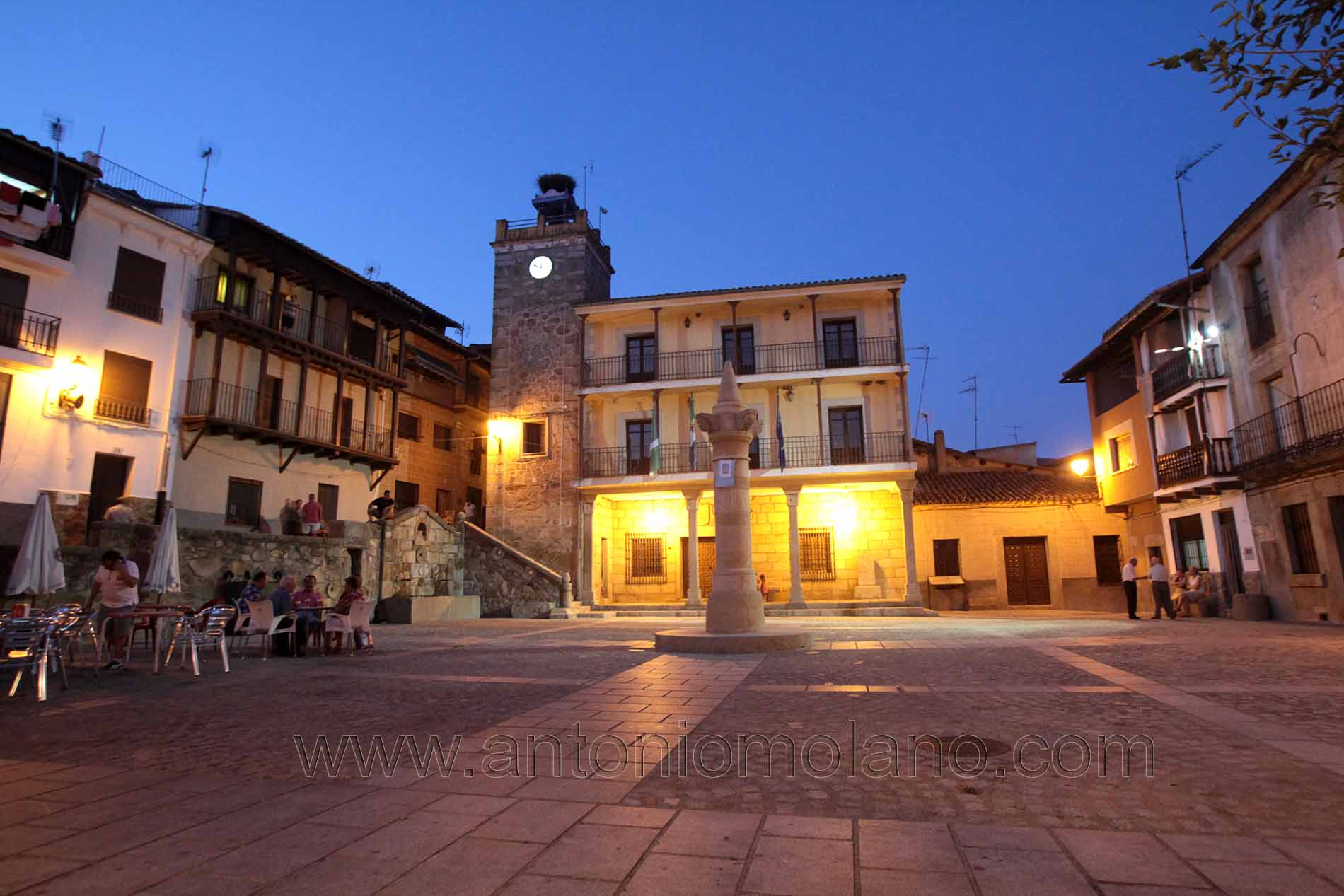 Plaza de Pasaron.jpg