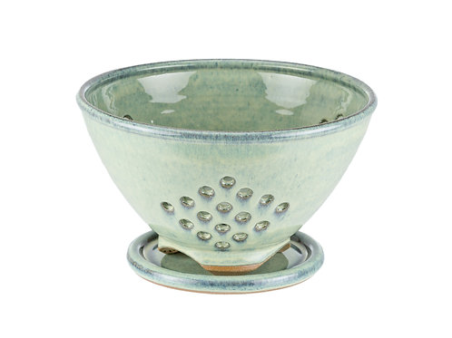 Berry Bowl with Drip Plate