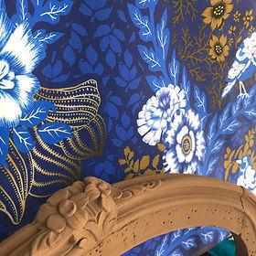 Jafar-Toile-Deperlante-Vendu eu Metre-Oiseau-Graphique-Vegetal-Bichromie-Marron-Bleu