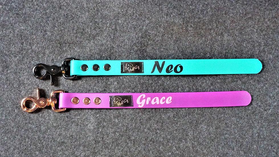 PVC Gurtband Kurzführer für Hunde mit Wunschtext