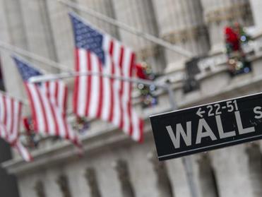 المؤشرات الأميركية تفتح منخفضة في آخر أيام ربع أول محموم