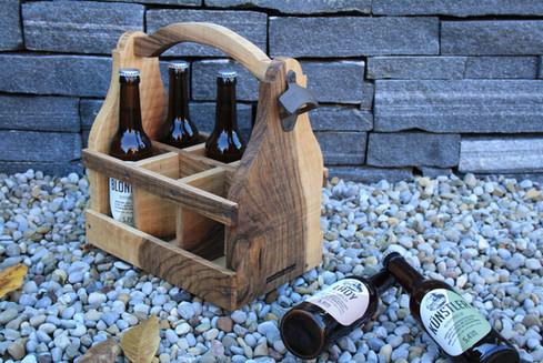Bier_Carrier; Geschenkidee Massivholzdesign.jpg