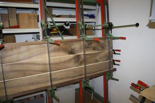 Verleimung: Nussbaum Esstisch massivholz.JPG