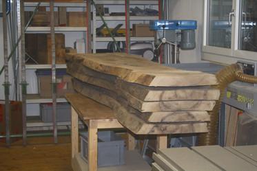 Holzbestimmung: Nussbaum Esstisch massivholz.JPG