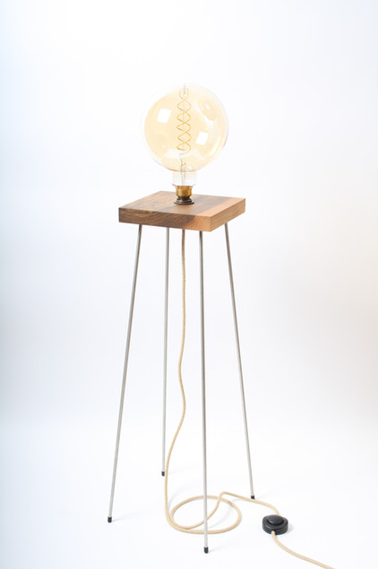Stehlampe_Wilhelm_Massivholzdesign.JPG