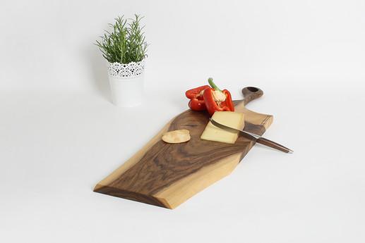 Schneidebrett_Massivholz Holzdesign.jpg