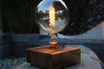 Holz-Design-Tischleuchte_Karl