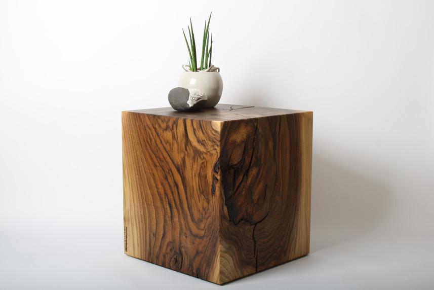 Nussbaumblock_Massivholzdesign.JPG