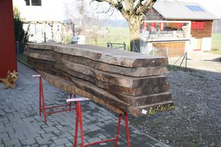 Holzauswahl: Nussbaum Esstisch massivholz.JPG