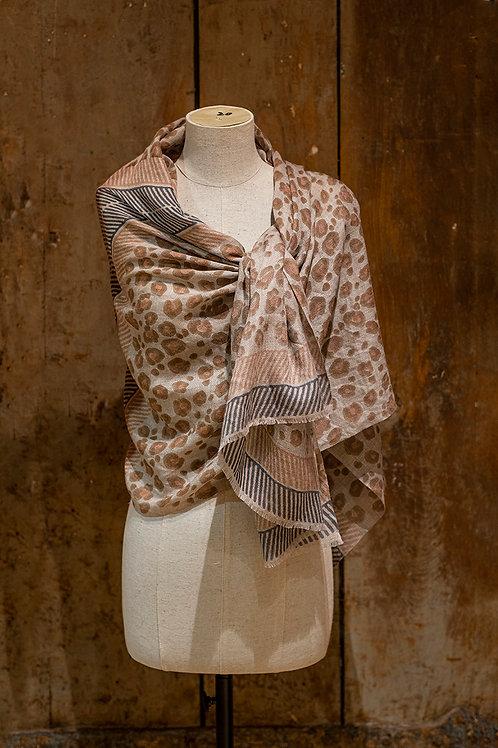 Châle en voile de laine imprimé léopard