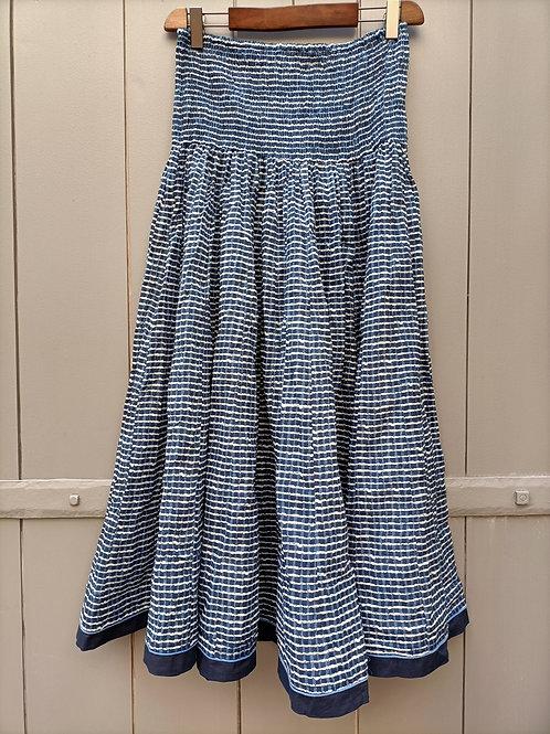 Jupe en coton imprimé à la main à motifs petits carreaux marine