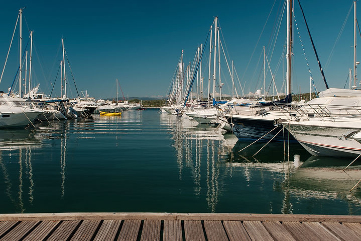 yachts-on-the-dock-WN5TJZV.jpg