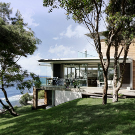 CLIFF HOUSE by Architecture Saville Isaacs - Bespoke Homes