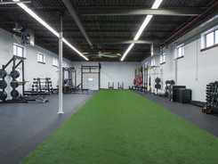 5000 sqft Open concept training facility offerinf personal training, semi private and athletic development in Oakville, Ontario.